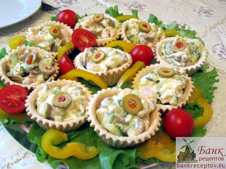 салат с креветками в креманках рецепт с фото
