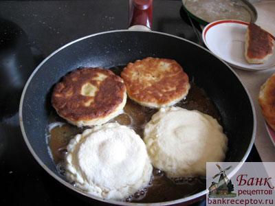 рецепт сдобных пирожков в духовке с капустой