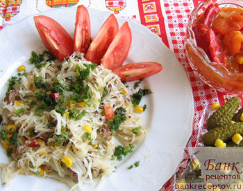 Рецепт салата с зелеными помидорами на зиму с фото