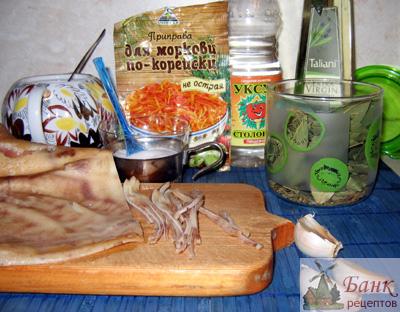 Что можно приготовить из свиных ушек, кроме холодца.  Предлагаю рецепт маринованных ушек.