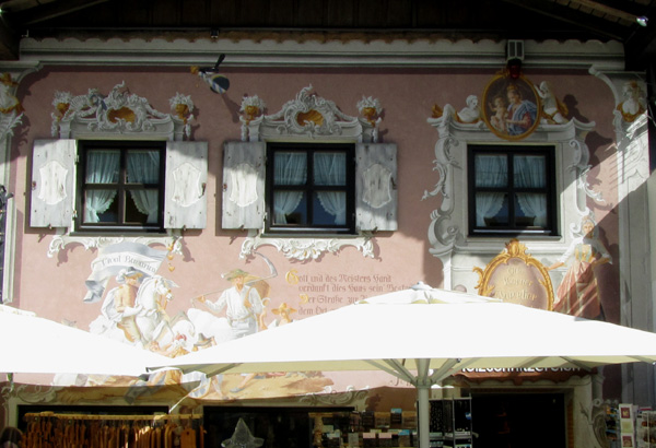 красивые дома в Обераммергау, Германия, фото