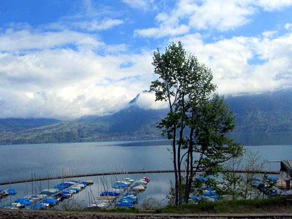 Интерлакен, озеро, фото