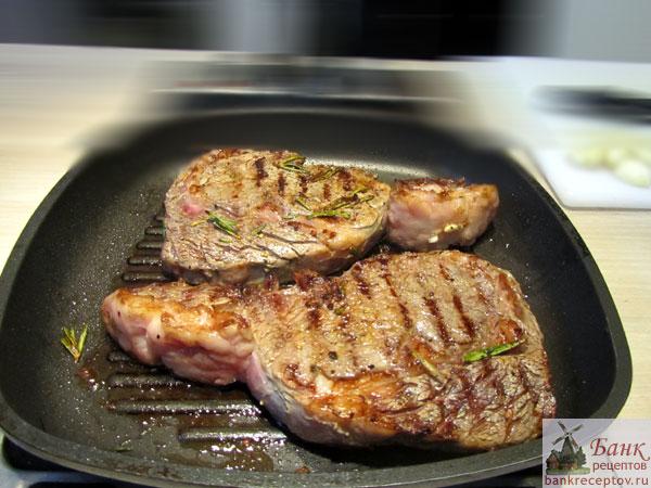 Куриный стейк на сковороде рецепт фото
