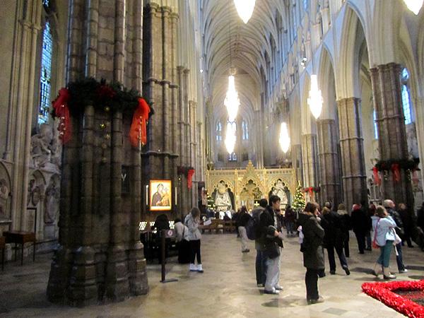 зал внутри аббатства, фото