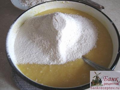 Рецепт грушевого пирога на кефире