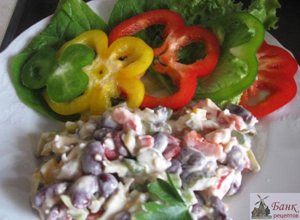 рецепт салат с яйцами и консервированой красной фасолью